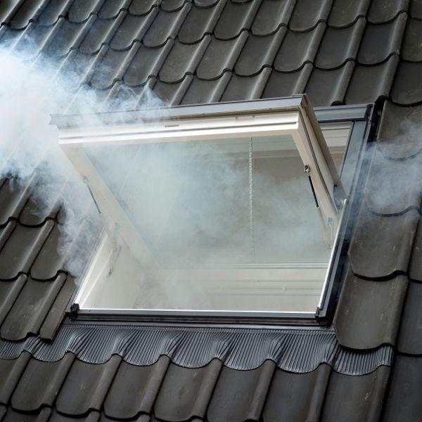 fereastr de mansard velux ggl 307340 pentru evacuarea fumului geam dublu. Black Bedroom Furniture Sets. Home Design Ideas